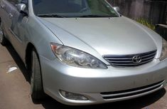 2004 Toyota Camry XLE Full Option V6 Silver for sale