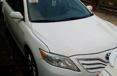 2010 Toyota Camry XLE White for sale