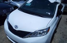 Clean Toyota Sienna 2014 White for sale