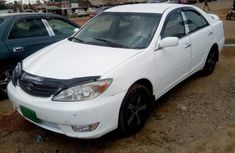 Toyota Camry 2004 White for sale