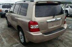 Toyota Higlander 2012 Gold for sale