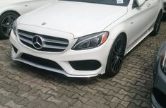 Mercedes Benz C300 White 2010 for sale