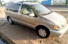 Toyota Sienna 2001 Gold for sale