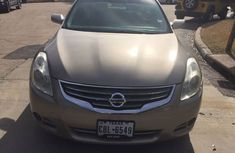 2010 Nissan Altima Gold for sale