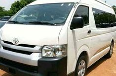 Toyota HiAce Bus 2010 White for sale