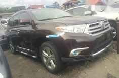 Toyota Highlander 2013 Red for sale