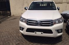 New 2016 Toyota Hilux