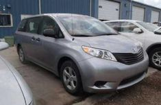 Tokunbo Toyota Sienna Silver for sale