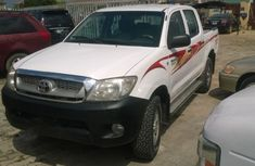 2007 Toyota Hilux White for sale