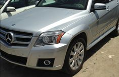 Mercedes Benz GLK350 4matic 2010 Silver for urgent sale