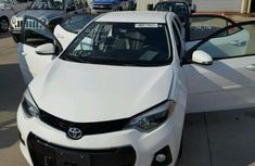 Toyota Camry 2012 White for sale