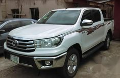 Toyota Hilux 2015 White for sale