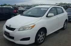 2008 Toyota Matrix White for sale