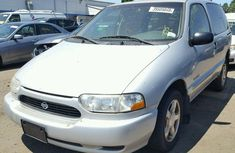 2002 Nissan Quest White for sale