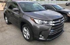 Toyota Highlander 2016 Grey for sale