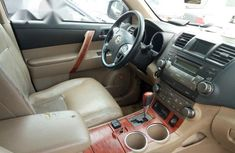 Toyota Highlander 2008 Gold for sale