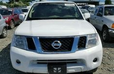 Nissan Pathfinder 2010 White for sale