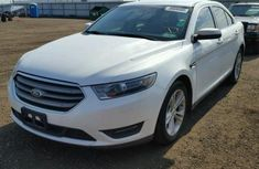 Ford Taurus 2005 White for sale
