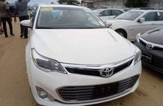 2012 Toyota Avalon for sale white