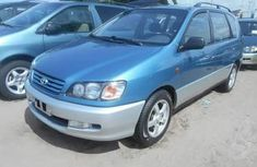 Toyota Picnic 2002 Blue for sale