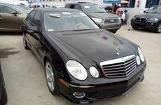 Mercedes Benz E350 2010 black for sale