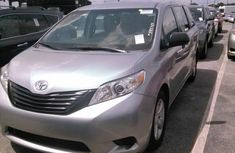 Toyota Sienna 2014 Silver for sale