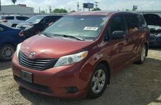 Toyota Sienna 2014 Red for sale