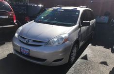 2006 Sillver Toyota Sienna for sale