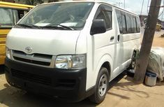 Toyota HiAce 2010 White for urgent sale