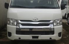 Toyota HiAce 2013 White for urgent sale