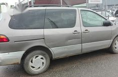 Toyota Sienna 1998 Gray for sale