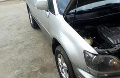 Clean Tokunbo Lexus RX300 2000 Silver
