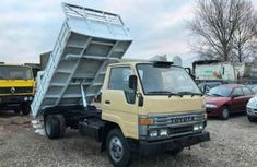 Toyota Dyna 2002 Gold for sale