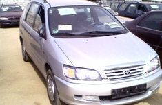Toyota Picnic 2000 Silver for urgent sale