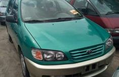Toyota Picnic 2004 Green for sale