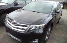 2015 Tokunbo Toyota Venza Black for sale