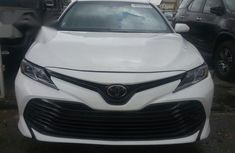 Toyota Camry 2018 White for sale
