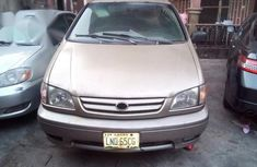 Toyota Sienna XLE 2003 Gold for sale
