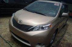 Toyota Sienna 2011 Gold for sale