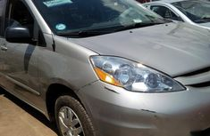 Toyota Sienna 2008 Gold for sale