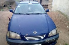 Toyota Avensis 1998 Blue for sale