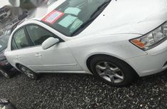 Tokunbo Hyundai Sonata 2009 White For Sale