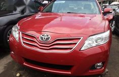 Clean Toyota Camry SE 2010 Red for sale