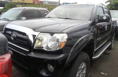 Toyota Tacoma 2007 Automatic Petrol ₦6,500,000 Black for sale
