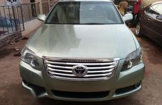 Clean Toyota Avalon 2005 for sale