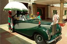 How Kings of Nigeria welcome Prince Charles? First they ride in style!