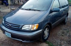 Toyota Sienna XLE 2002 Blue for sale