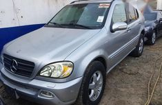 Clean Tokunbo Mercedes-Benz ML500 2004 Silver For Sale