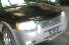 Clean Ford Escape 2001 Black for sale