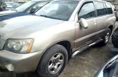Toyota Highlander 2003 Gold for sale
